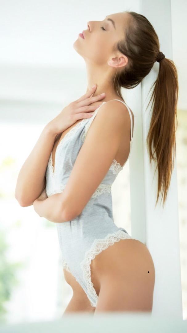 Female model photo shoot of Sabrisse
