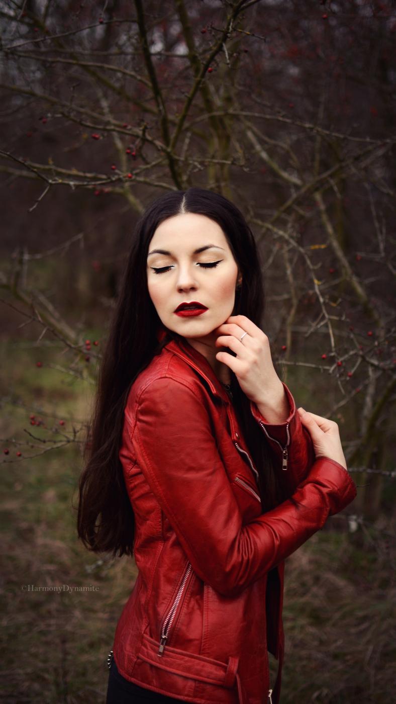 Female model photo shoot of PrincessThorvi