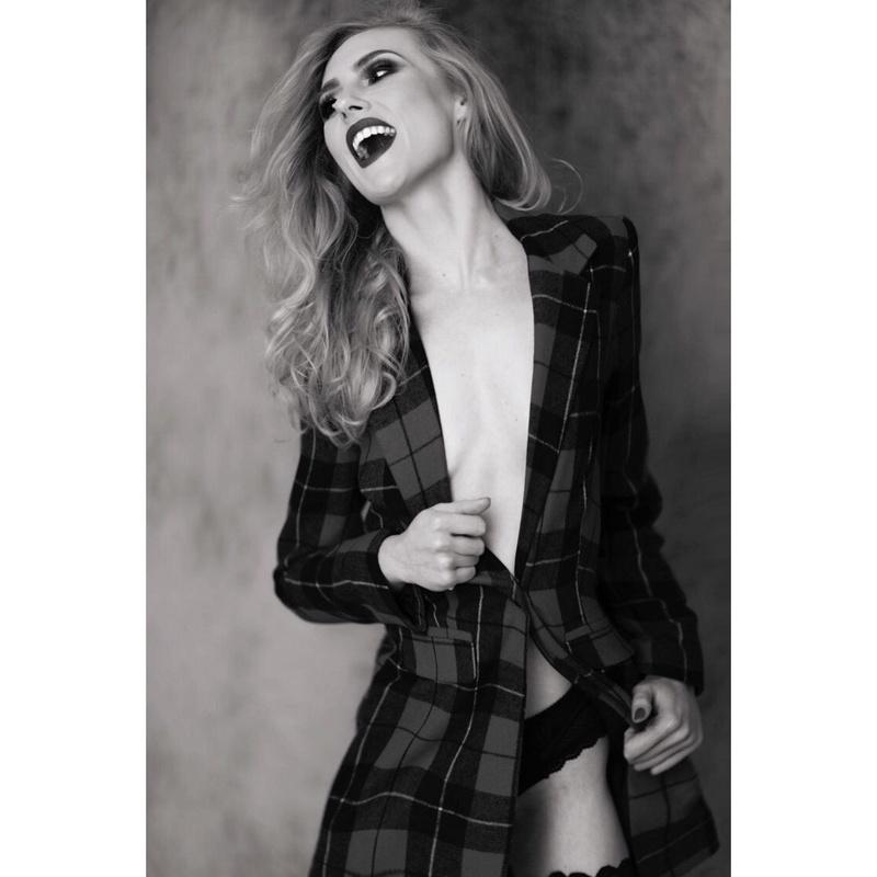 Female model photo shoot of Natalie Wilmshurst