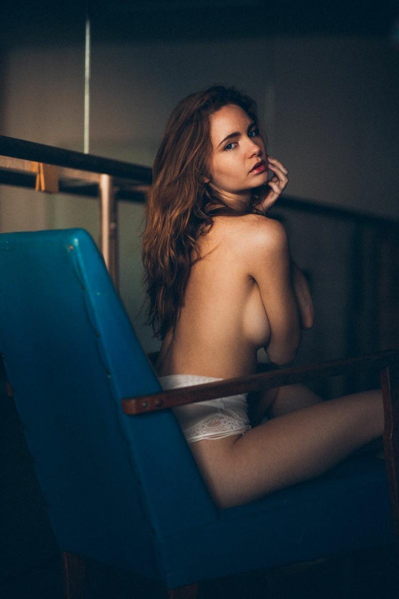 Female model photo shoot of Evelyn Sommer