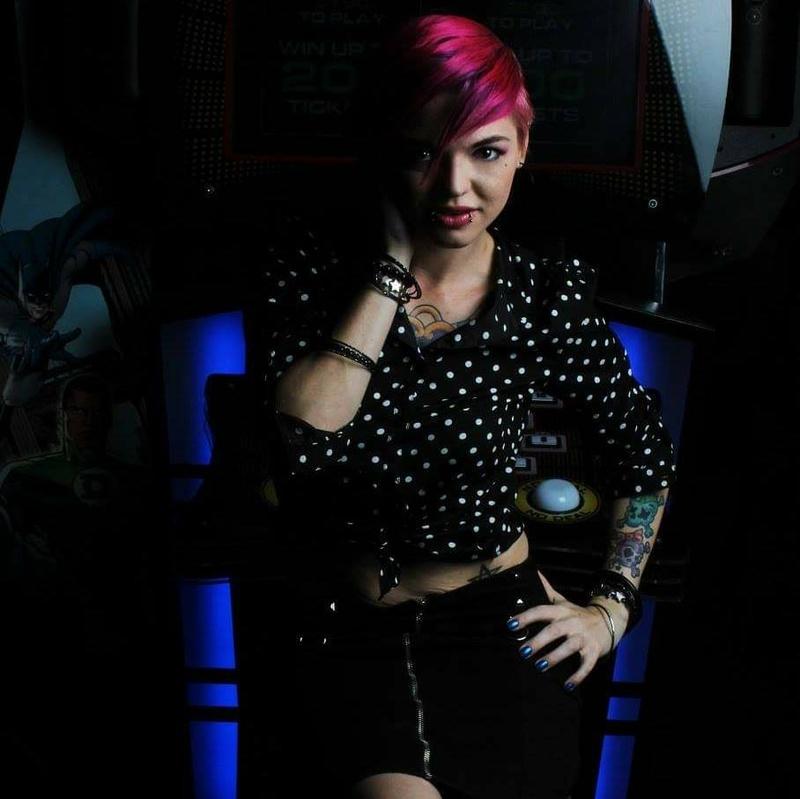 Female model photo shoot of NellieCox
