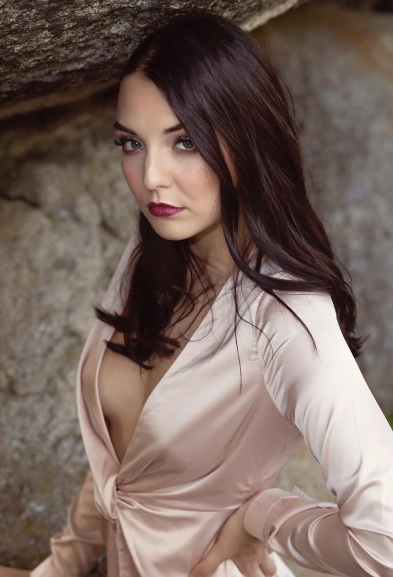 Female model photo shoot of Kristahyatt