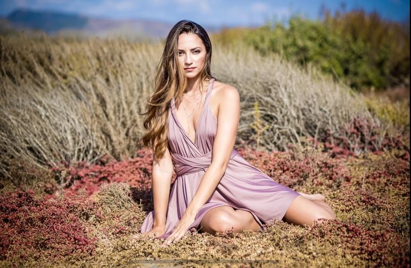 Female model photo shoot of Chelsea Ball