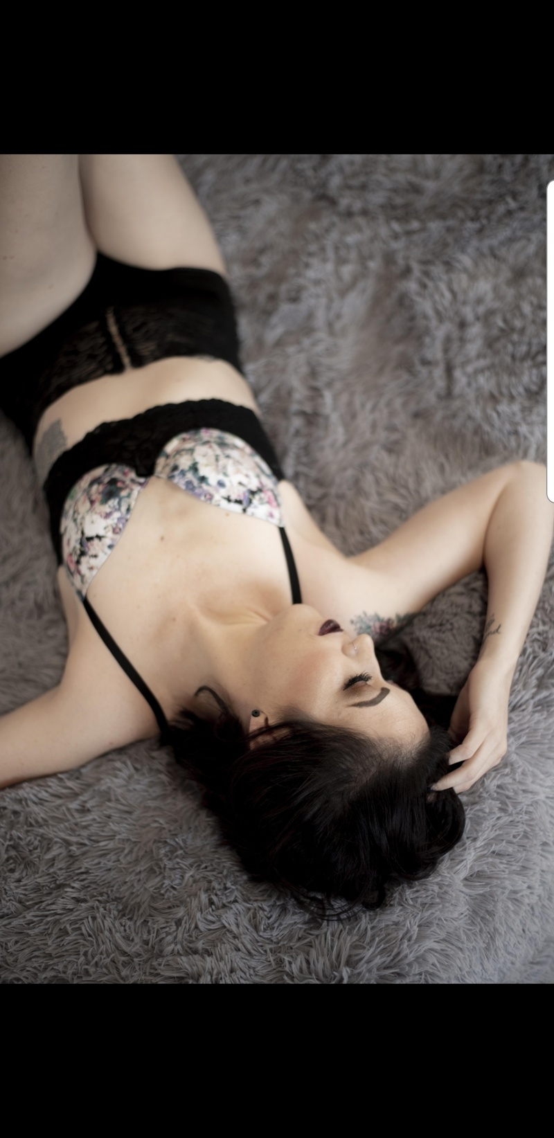 Female model photo shoot of LynnaeJade by CarbonBoudoir