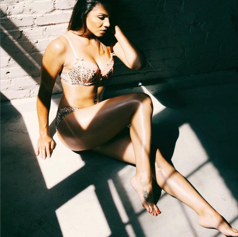 Female model photo shoot of Lauren N Gibson
