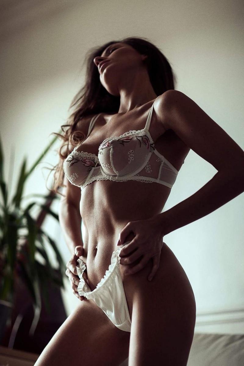 Female model photo shoot of Gomes de Oliveira in Paris