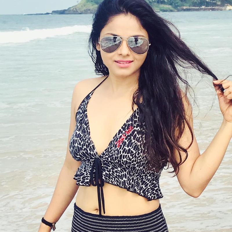 Female model photo shoot of puja panigrahi