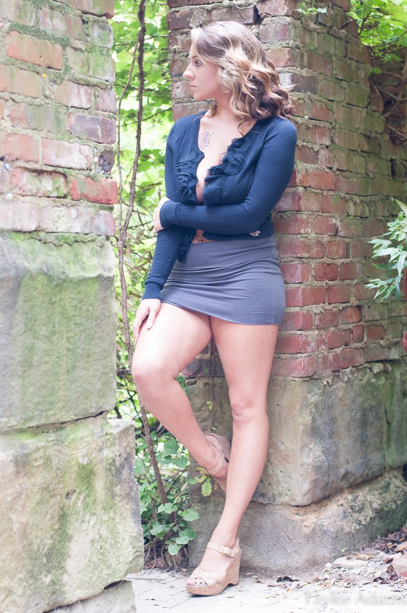 Female model photo shoot of 14longm