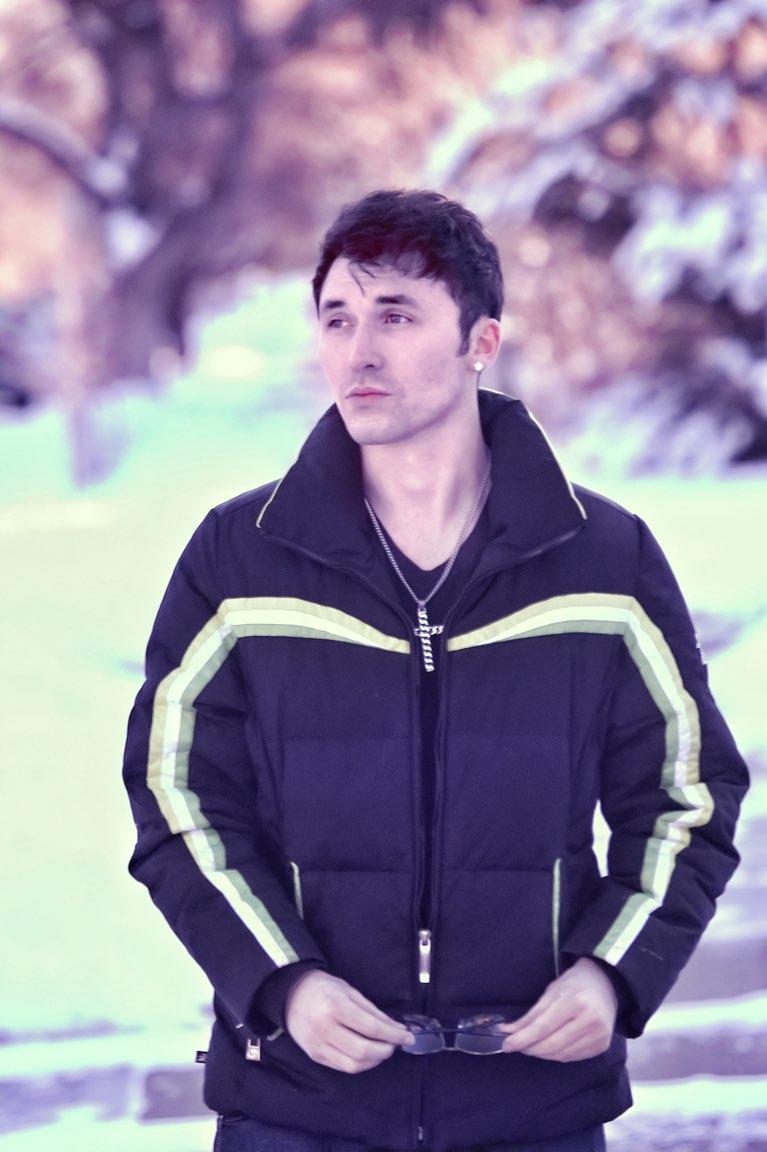 Male model photo shoot of RomeoRay