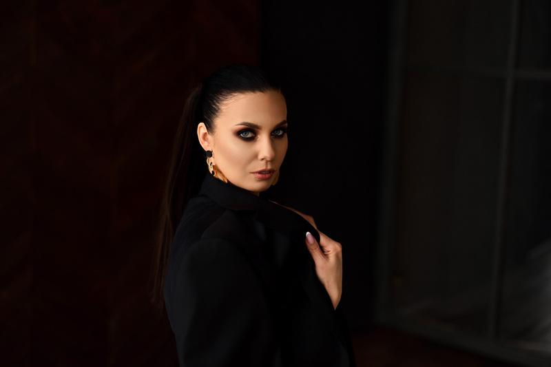 Female model photo shoot of DianaOsiRetoucher