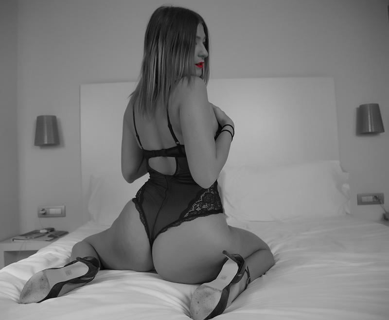 Female model photo shoot of Michelleeeee by FlavioC