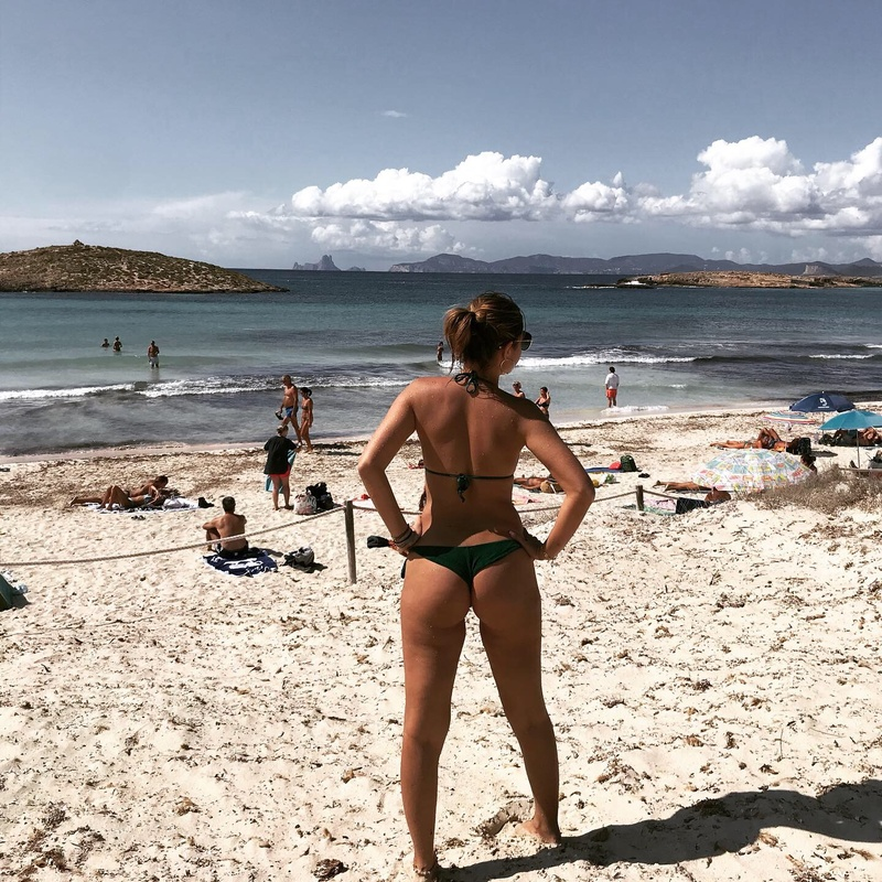 Female model photo shoot of Michelleeeee in Ibiza /Formentera