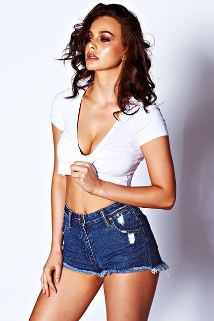Female model photo shoot of RachReyes200