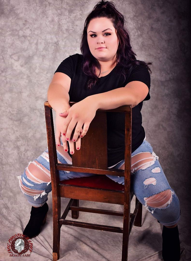 Female model photo shoot of bncmodeling