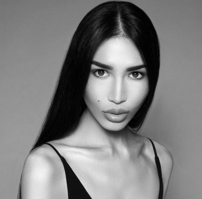 Female model photo shoot of Zarina_t