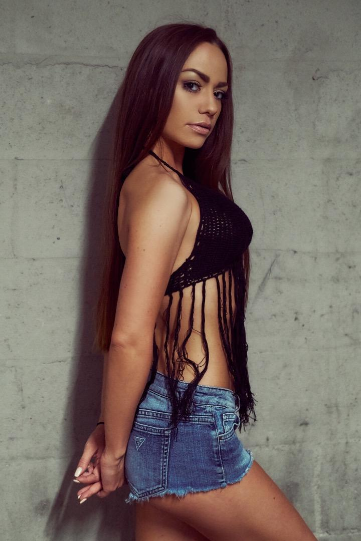 Female model photo shoot of Ema Rae