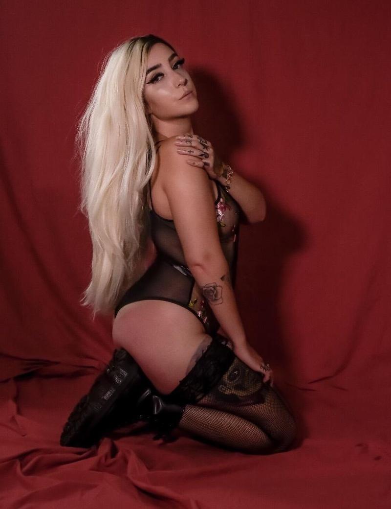 Female model photo shoot of Jori Hope