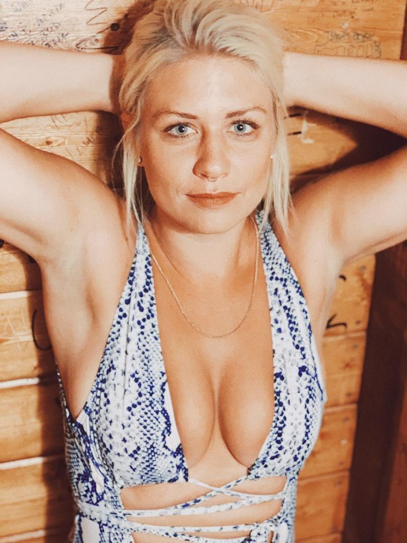 Female model photo shoot of jamiejacobsen