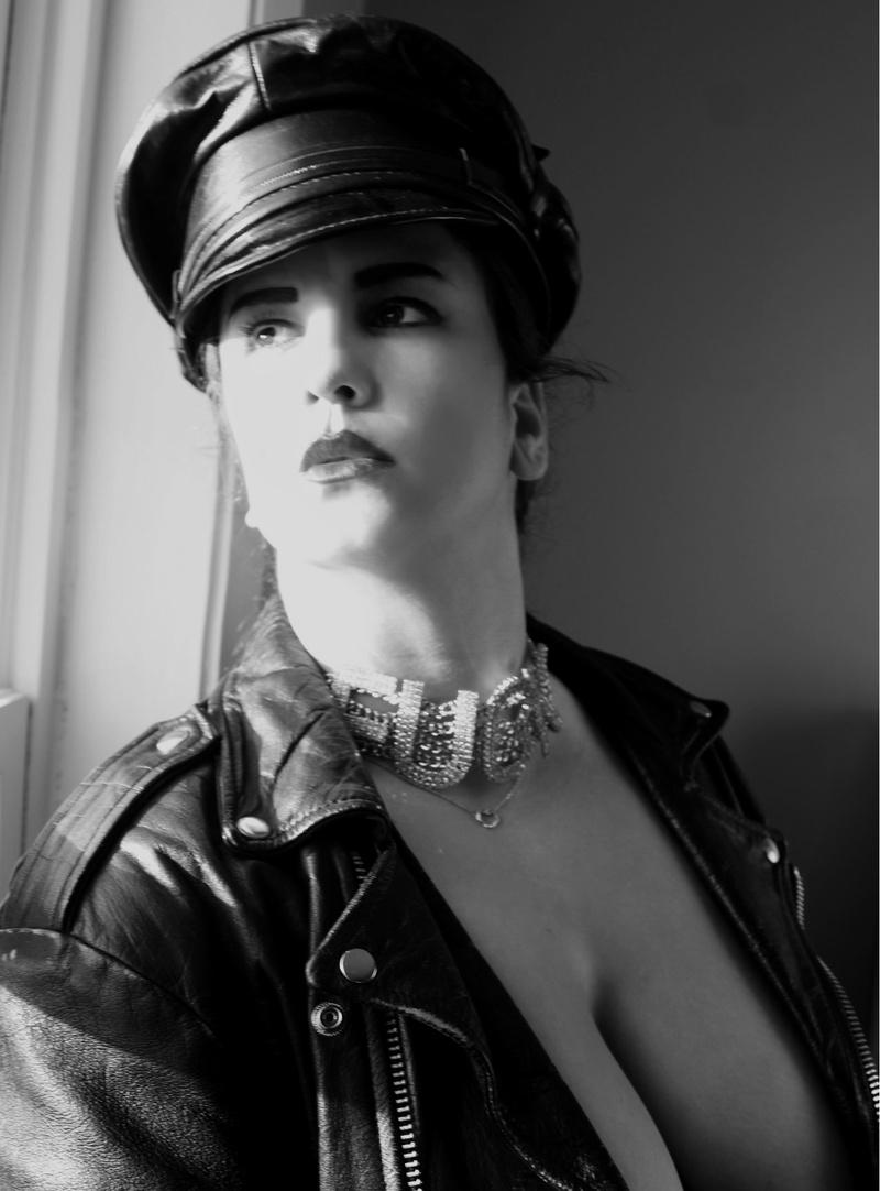 Female model photo shoot of Xena Romanova in Chicago