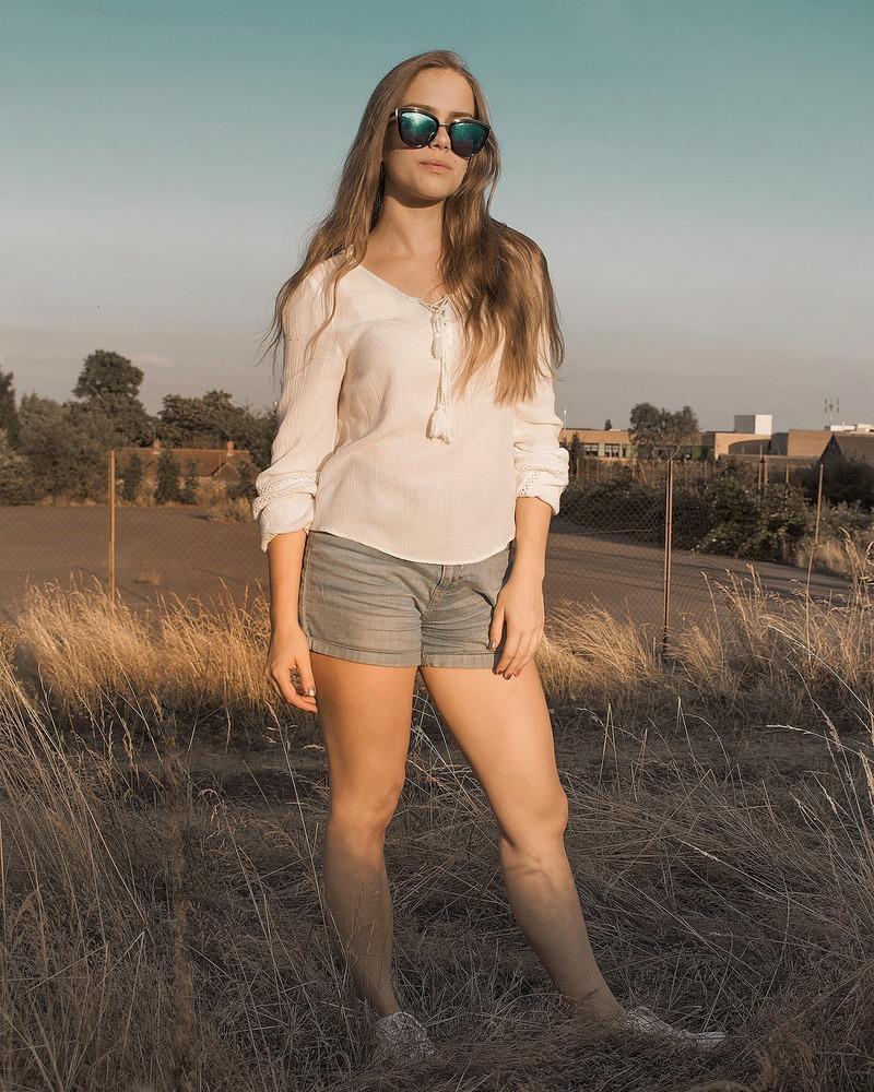 Female model photo shoot of Tatiana-H