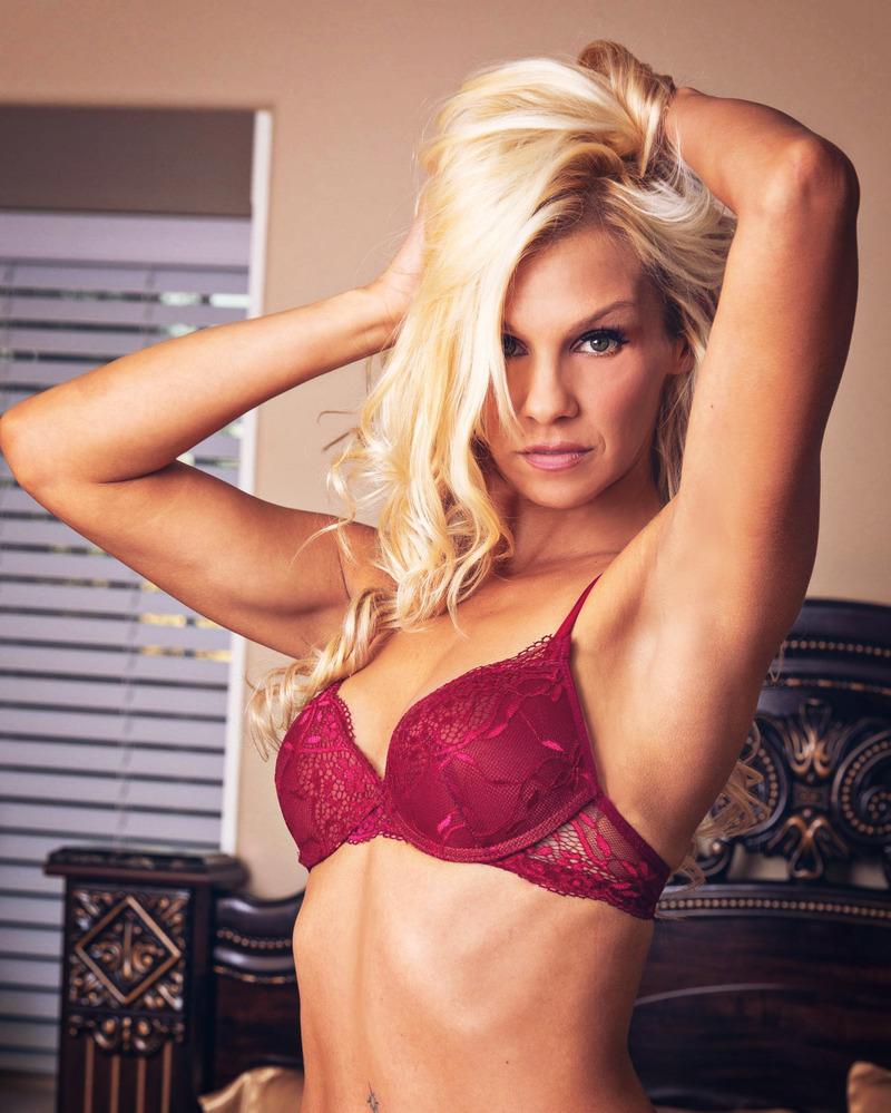 Female model photo shoot of Kinfinite8
