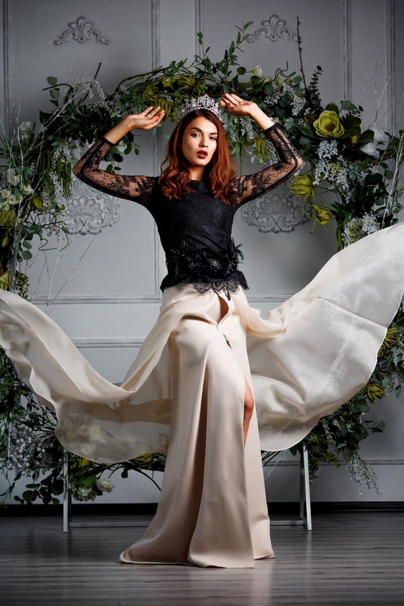Female model photo shoot of Tamila Sparrow