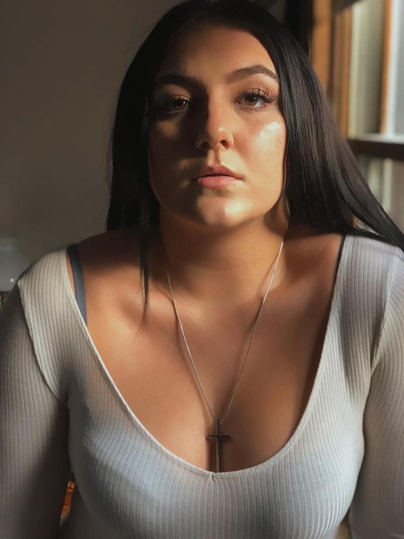 Female model photo shoot of Ambrosiahahn