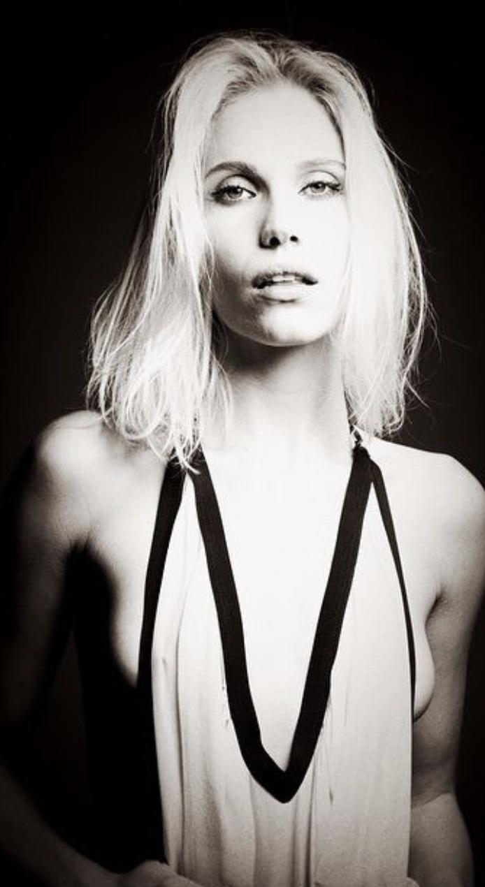 Female model photo shoot of Aza Larsen Photography