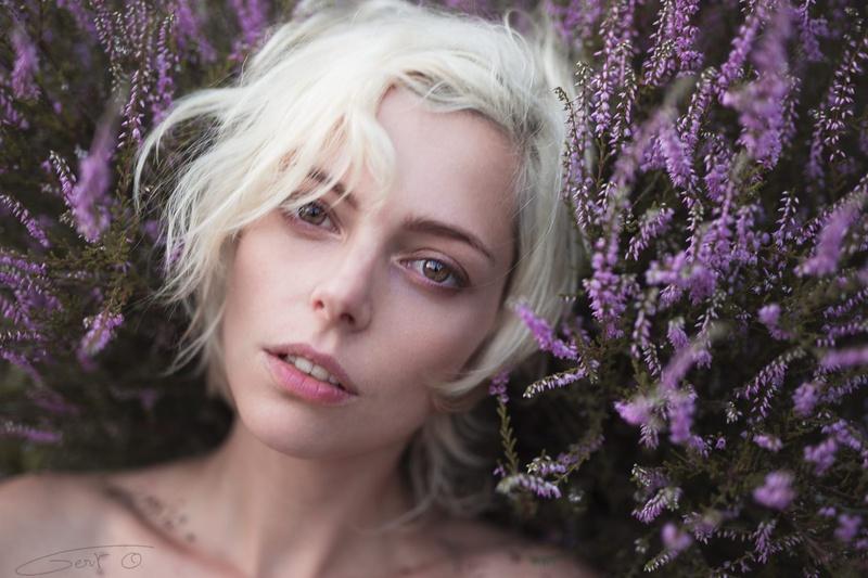 Female model photo shoot of Riona Neve