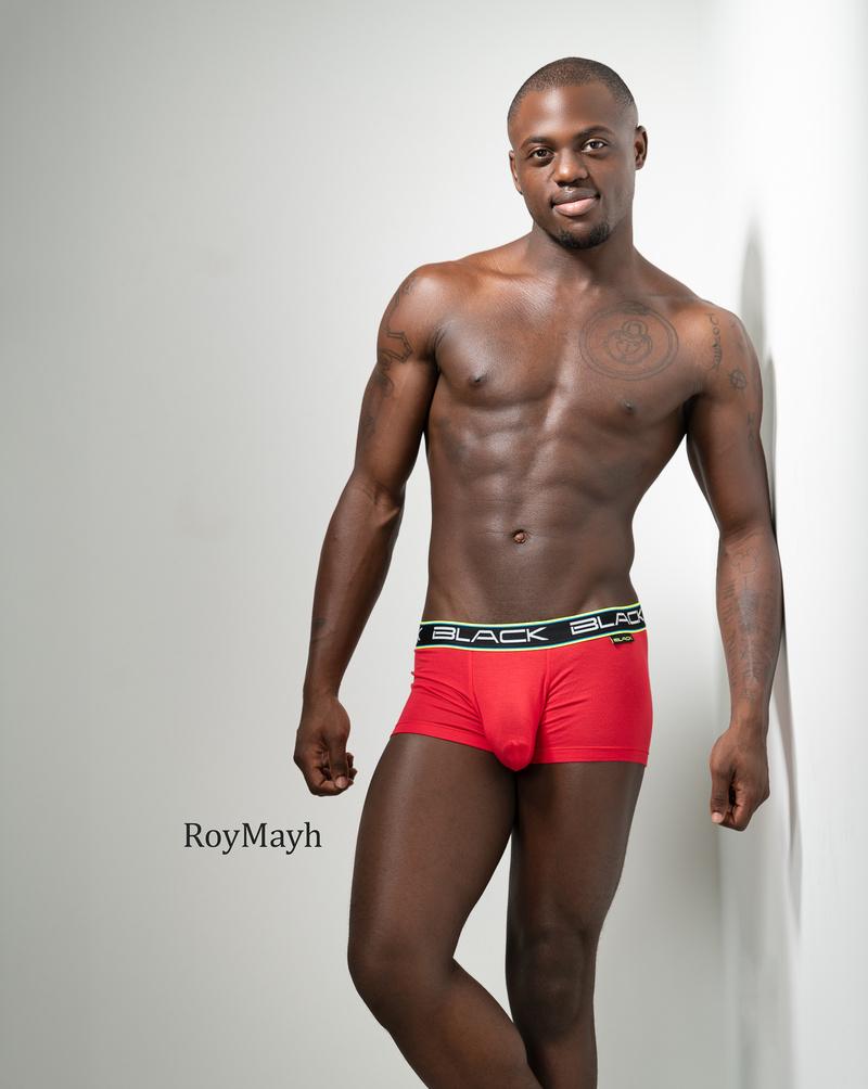 Male model photo shoot of RoyMayh