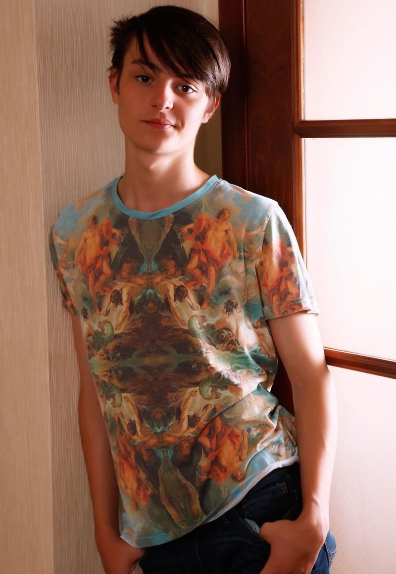 Male model photo shoot of LeeRN