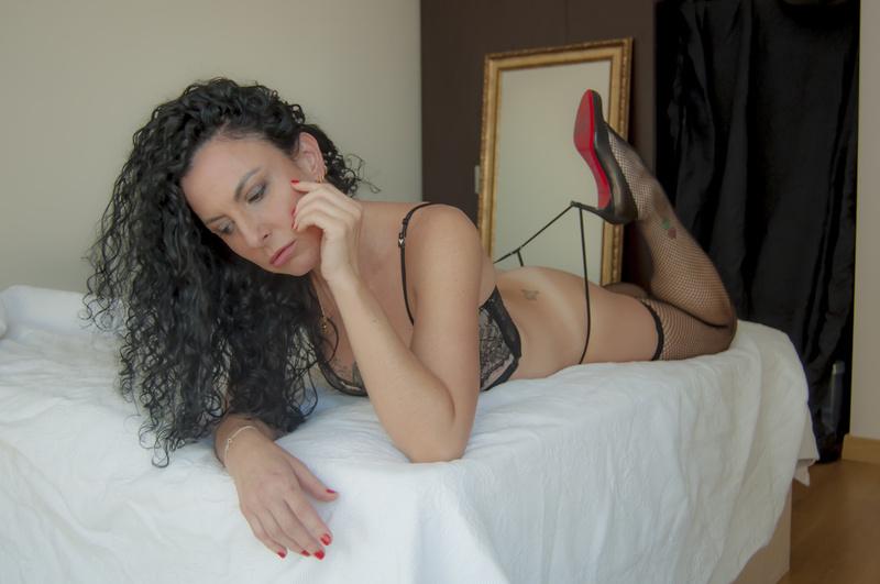 Female model photo shoot of iamthekelly in Istanbul