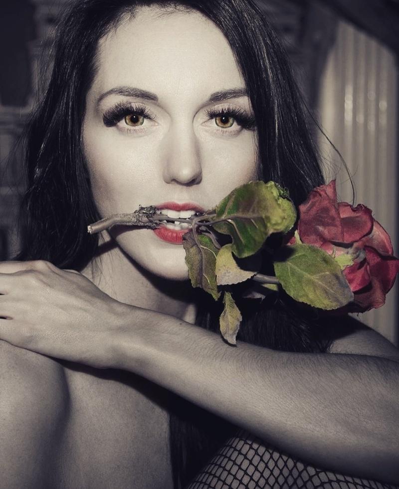 Female model photo shoot of Chelsea Michelle Lind