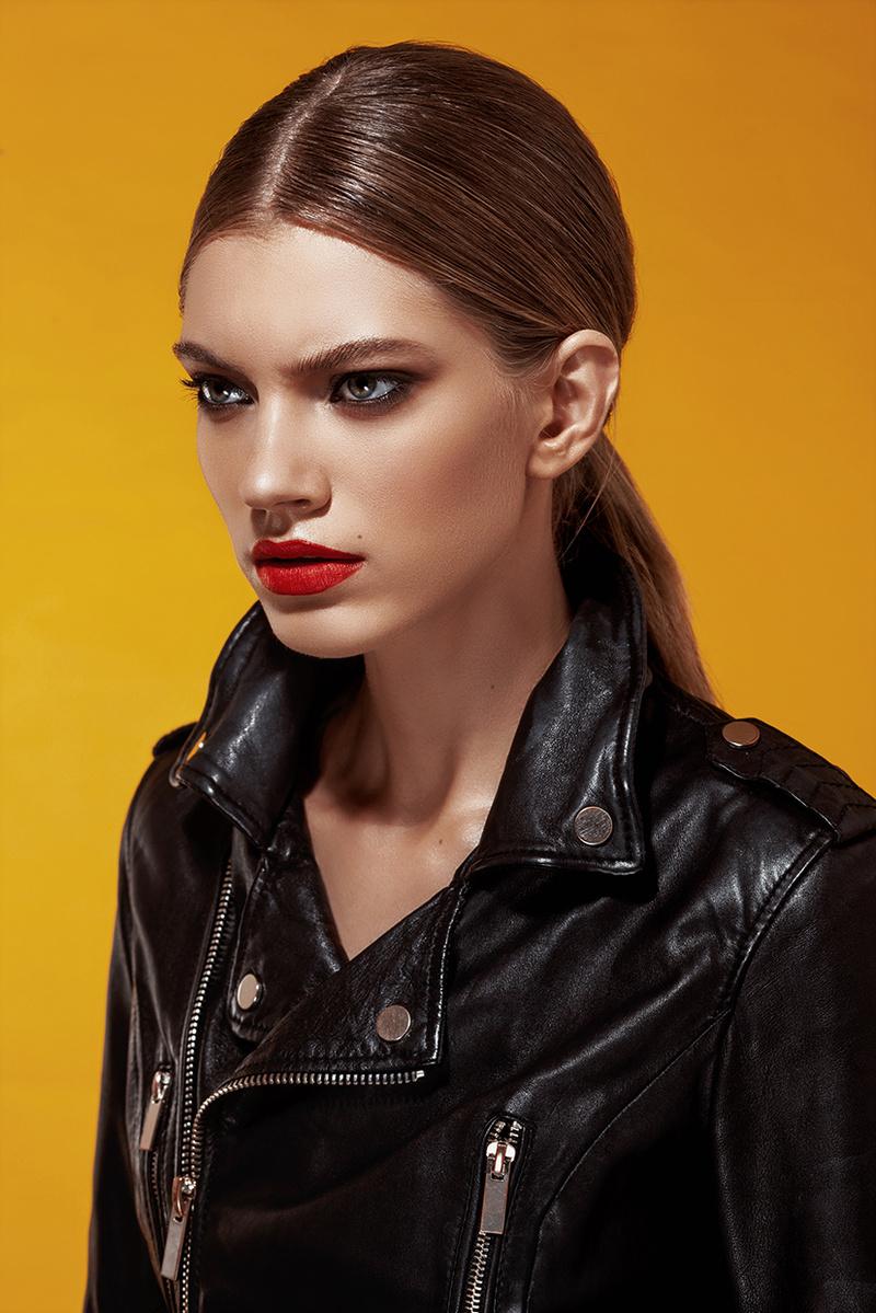 Female model photo shoot of reginanemes