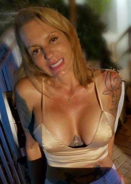 Female model photo shoot of Angie Harman in Florida