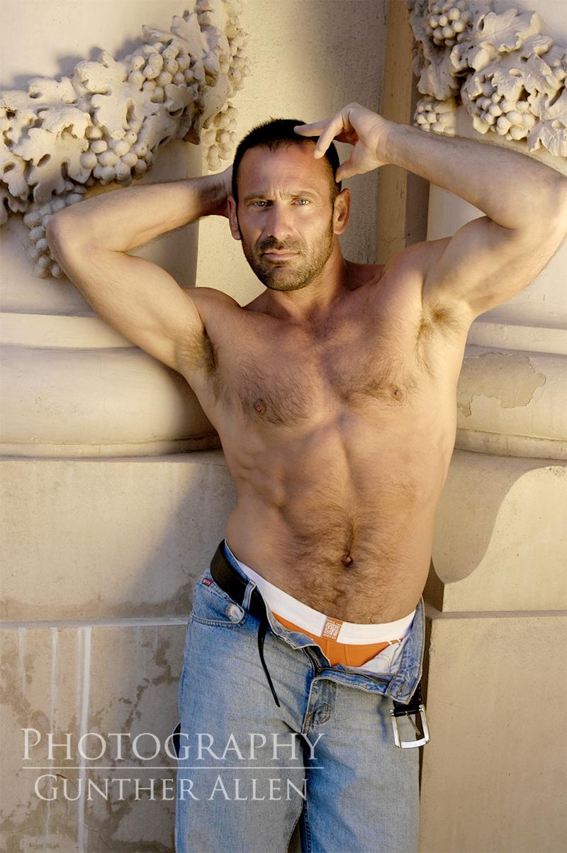 Naturally Naked Male Photographer Profile - Las Vegas