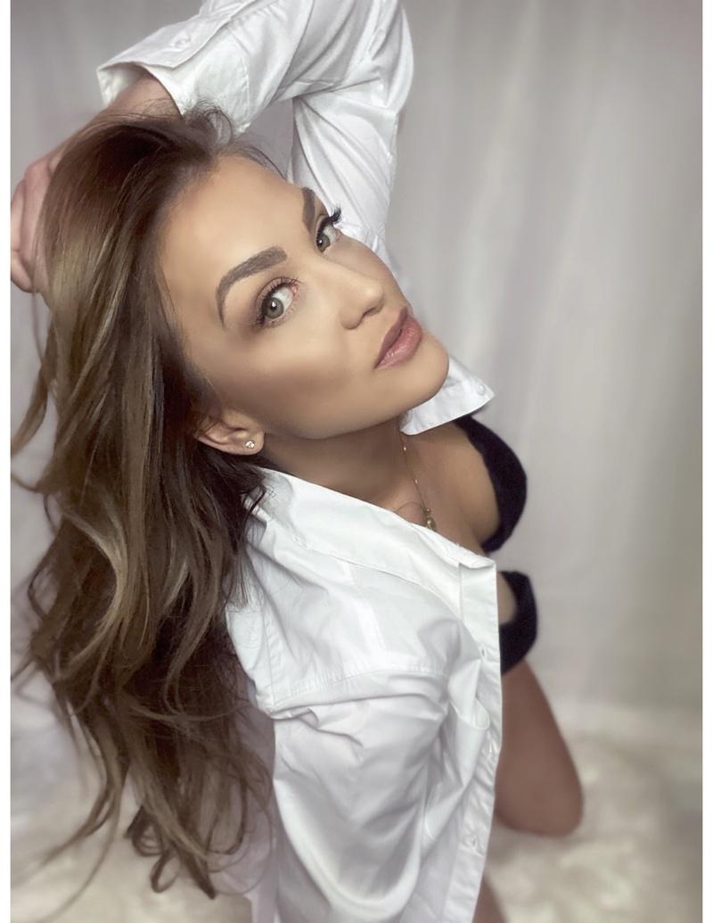 Cherry_Babes Female Model Profile - Toronto, Ontario