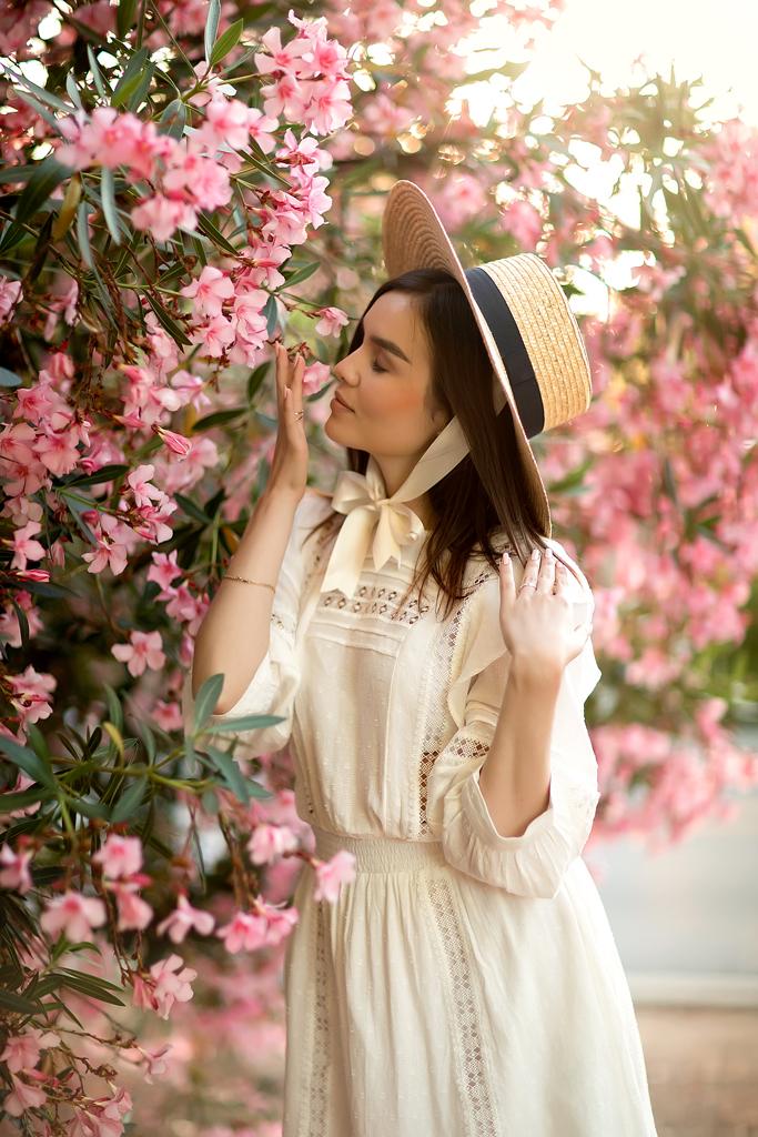 Female model photo shoot of katia_drozd