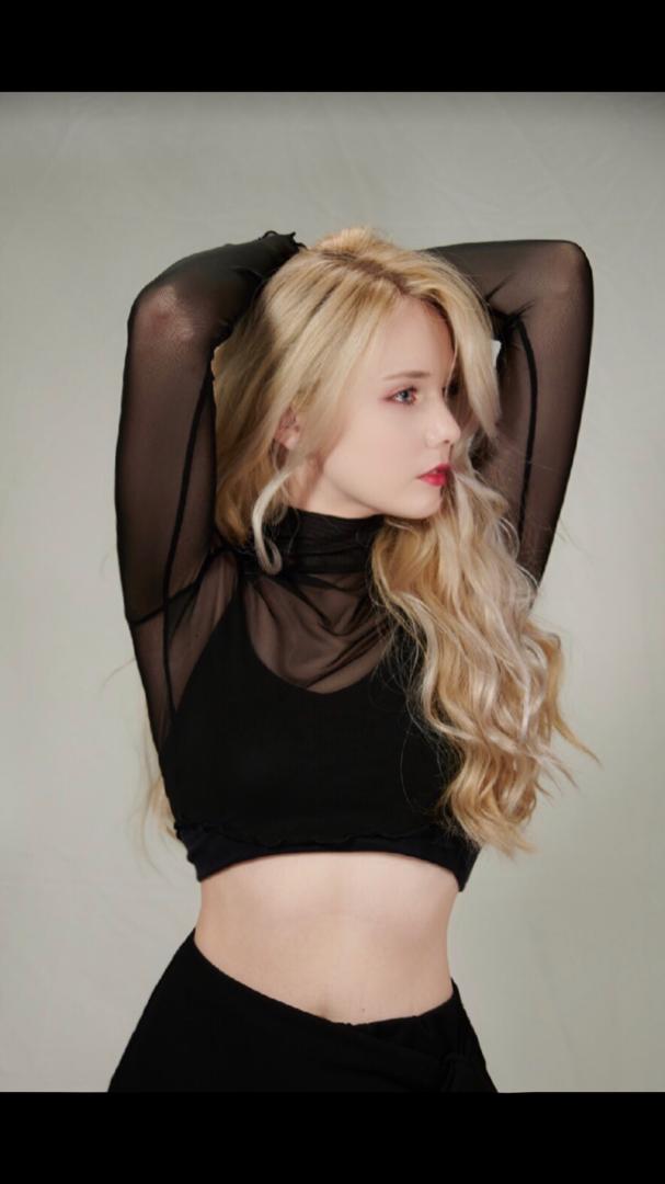 Female model photo shoot of LaurynEliz55