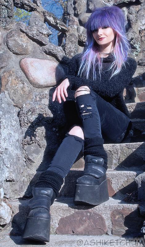 Female model photo shoot of ashi