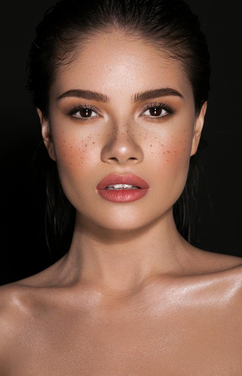 Female model photo shoot of Lyubuska