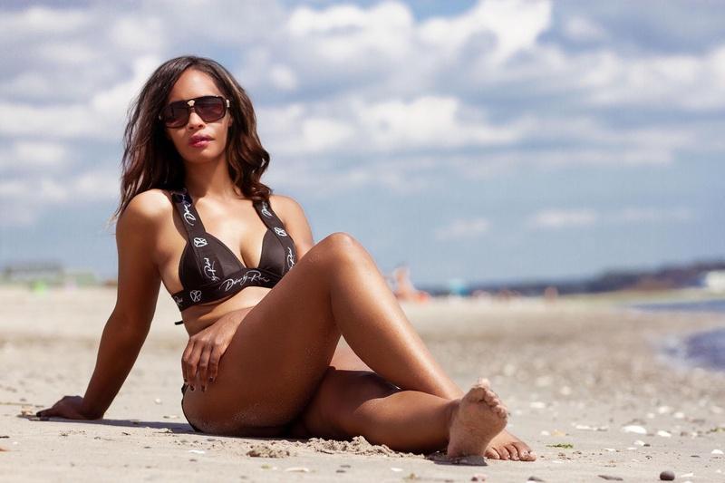 Female model photo shoot of Angie Dime