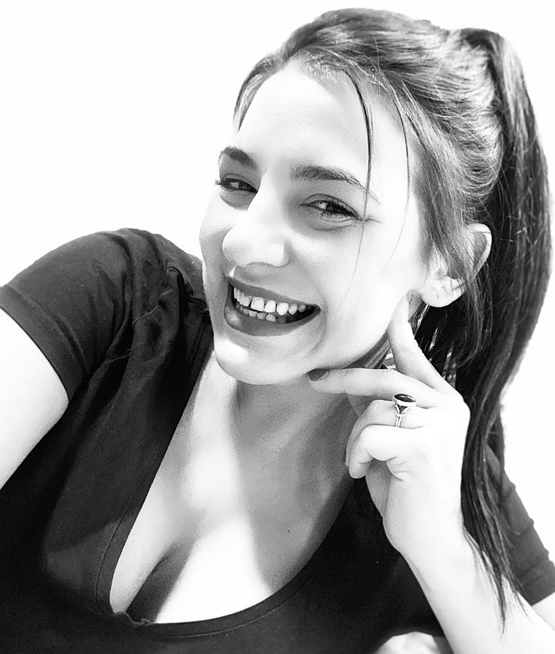 Female model photo shoot of Rachael Lee