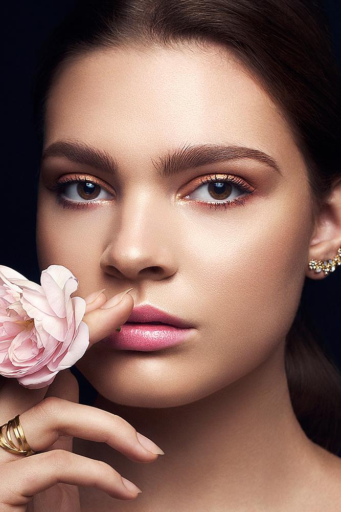Female model photo shoot of Leslie Push