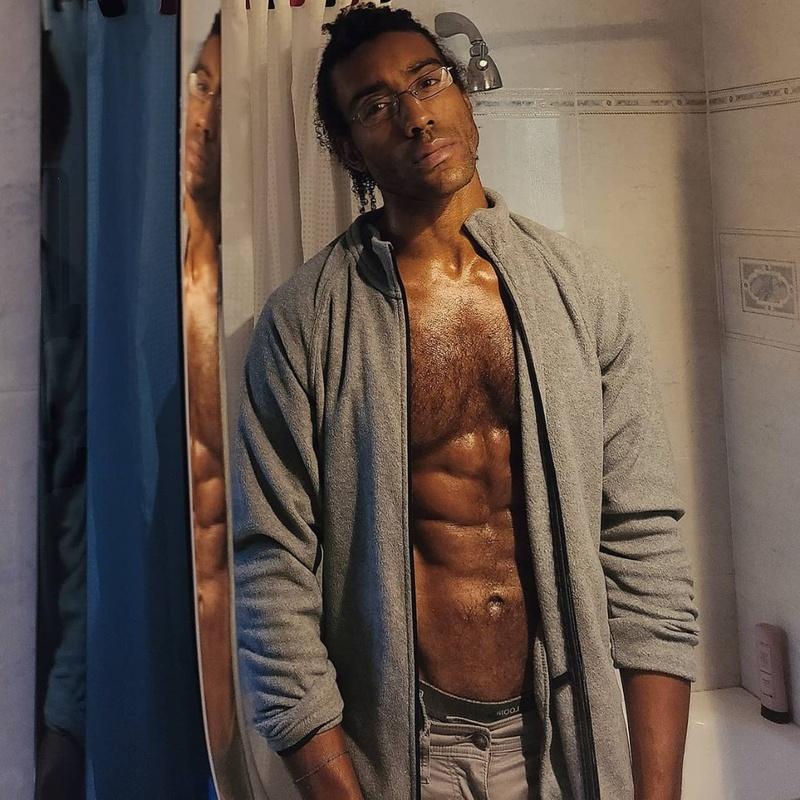 Male model photo shoot of Andrew Mackey