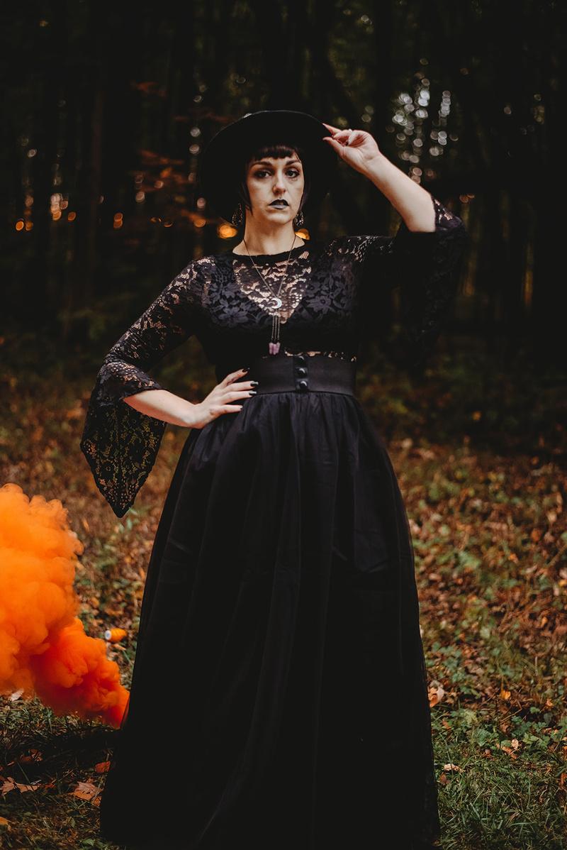 Female model photo shoot of Kay Shanahan