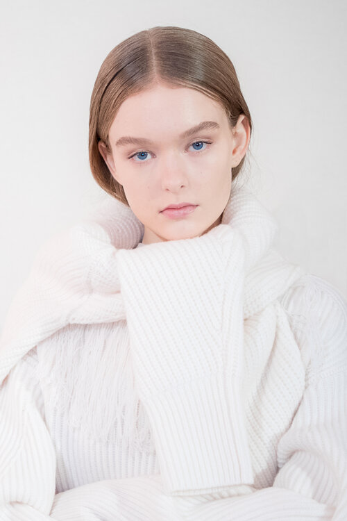 Female model photo shoot of Kimberley Larmouth