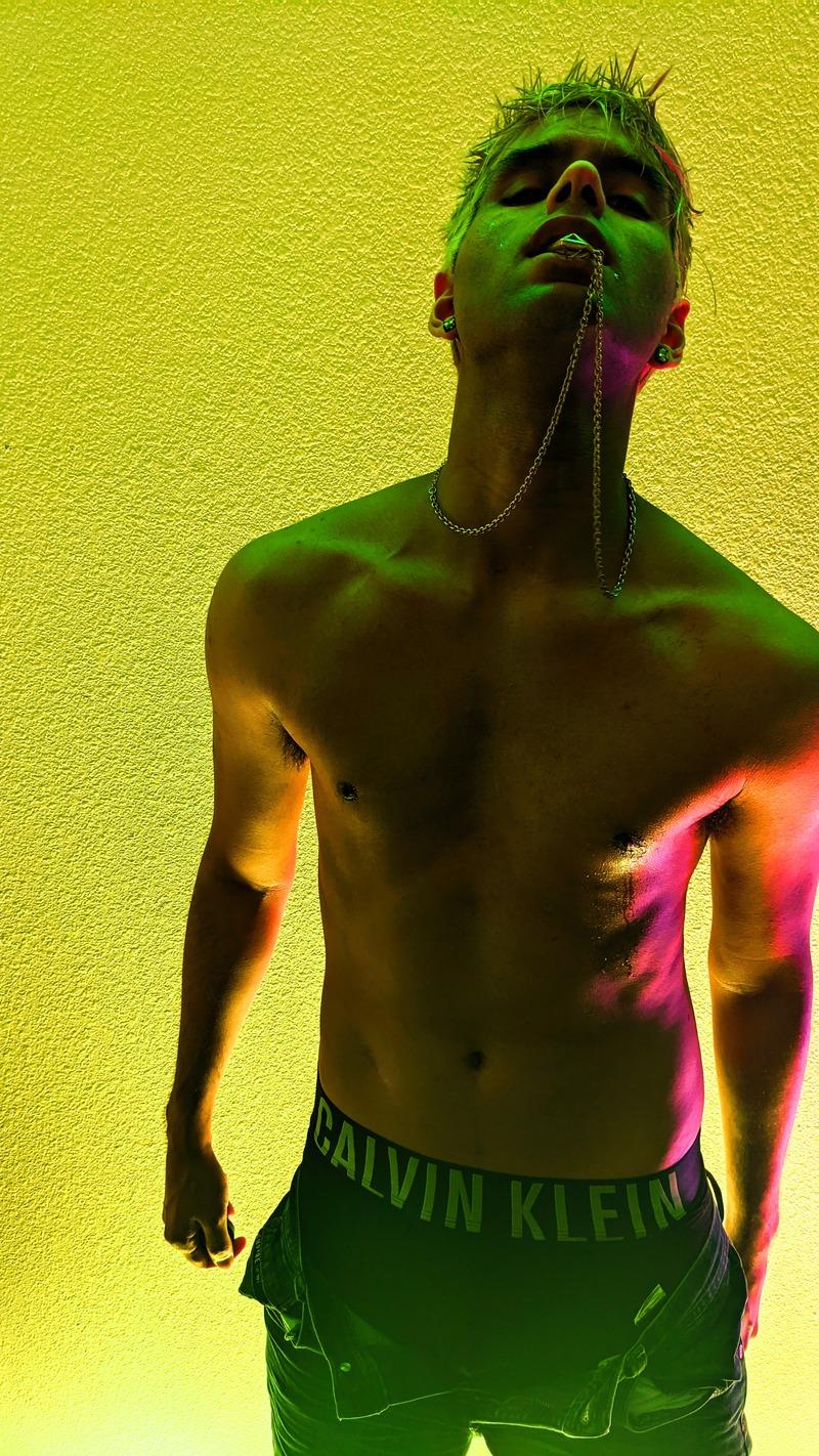 Male model photo shoot of ill_x99