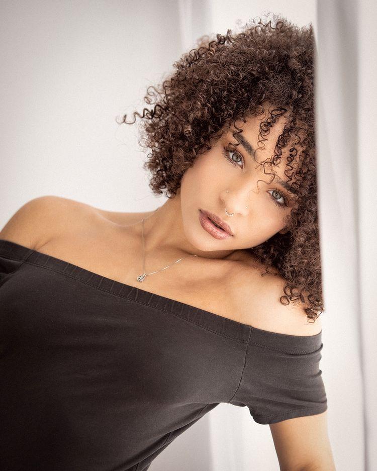 Female model photo shoot of Tbellangel