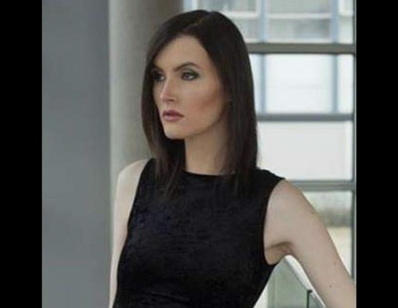Female model photo shoot of Ediemq